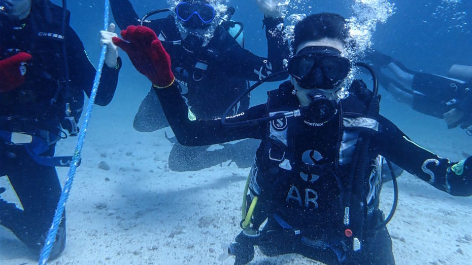 Introductory divers with Academy Bay Diving